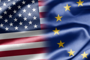 bandeiras EUA-UE (300x450)